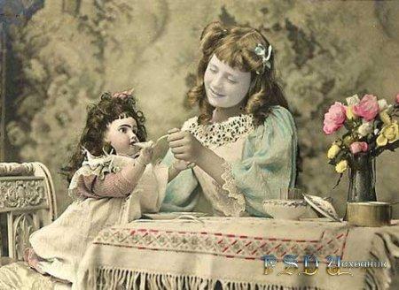 Фото коллаж  Ретро кукла